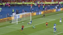 Espagne-Italie: 4-0 par Juan Mata