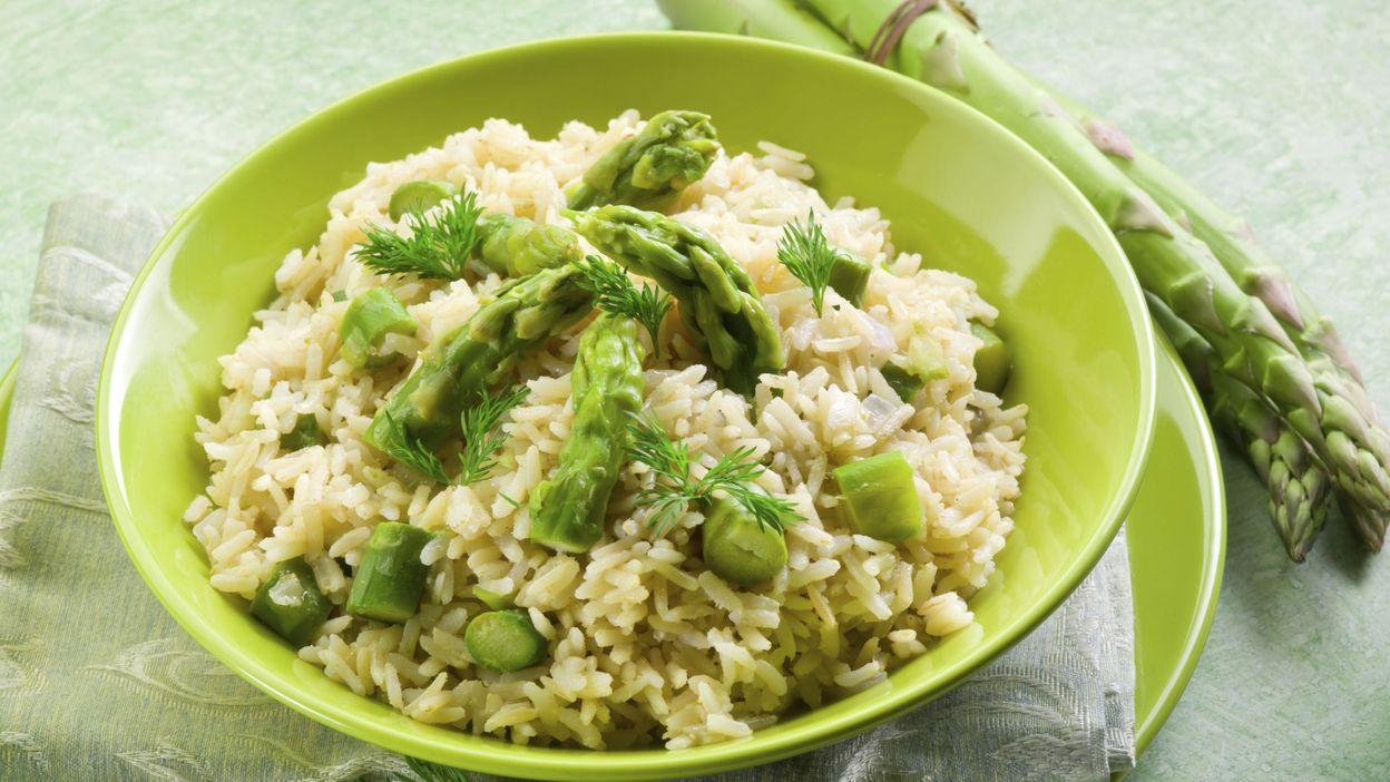 Recette risotto aux asperges vertes et au parmesan - Cuisiner les asperges vertes ...