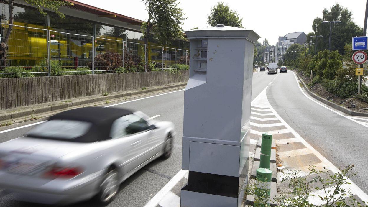 bruxelles installation des premiers radars la demande de riverains. Black Bedroom Furniture Sets. Home Design Ideas
