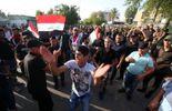 Irak: des milliers de manifestants pénètrent dans la Zone verte à Bagdad