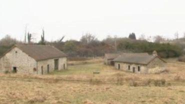 Si le petit village de Courbefy vous intéresse, il vous faudra débourser 300 000 euros.