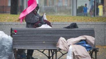 La risque de pauvreté est plus important chez les jeunes générations