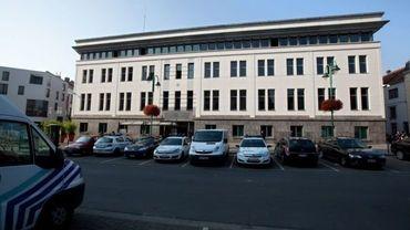 Molenbeek: tension devant le commissariat de police
