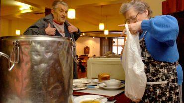 L'asbl vient en aide aux plus démunis en proposant des denrées alimentaires (illustration).