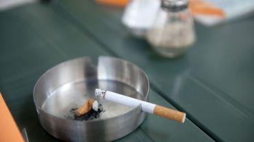 arr ter de fumer avec une aide est dix fois plus efficace. Black Bedroom Furniture Sets. Home Design Ideas