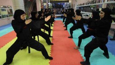 En Iran, les femmes s'émancipent. Au point de refuser parfois les injonctions des religieux...