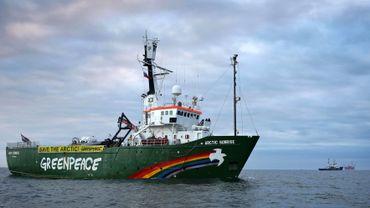 La Russie a placé les huit autres membres de l'équipage de l'Arctic Sunrise de Greenpeace en détention