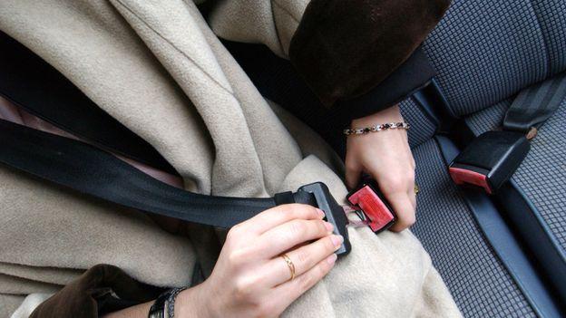 s curit routi re 83 736 enfants sans ceinture en voiture rtbf belgique. Black Bedroom Furniture Sets. Home Design Ideas