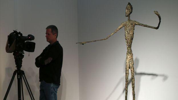 record mondial pour une statue 141 28 millions de dollars pour une statue de giacometti rtbf. Black Bedroom Furniture Sets. Home Design Ideas