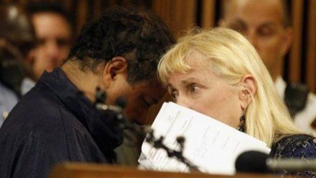 Ariel Castro et son avocate, Kathleen DeMetz, le 9 mai 2013