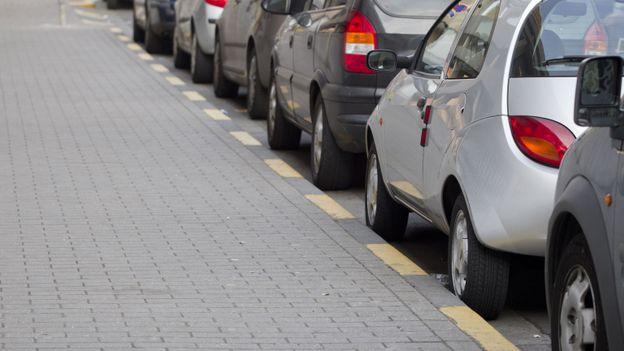 L'idée du parking day est de protester contre la trop grande présence de parkings dans les espaces publics