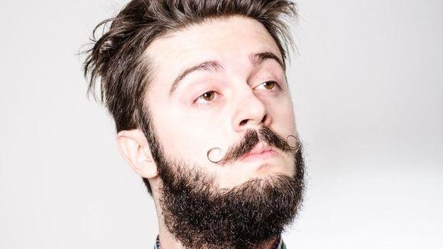 new york la mode des implants de barbe rtbf bien etre. Black Bedroom Furniture Sets. Home Design Ideas