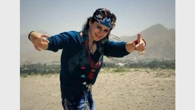 Sosan Firooz, la première chanteuse de rap en Afghanistan