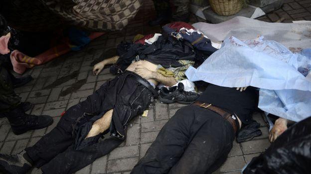 Des cadavres au centre de la capitale, Kiev BULENT KILIC - BELGAIMAGE